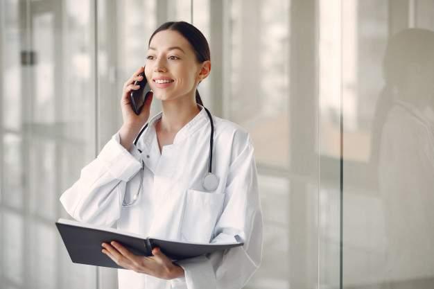 Badanie opinii publicznej: Pacjenci doceniają telefoniczne konsultacje w POZ