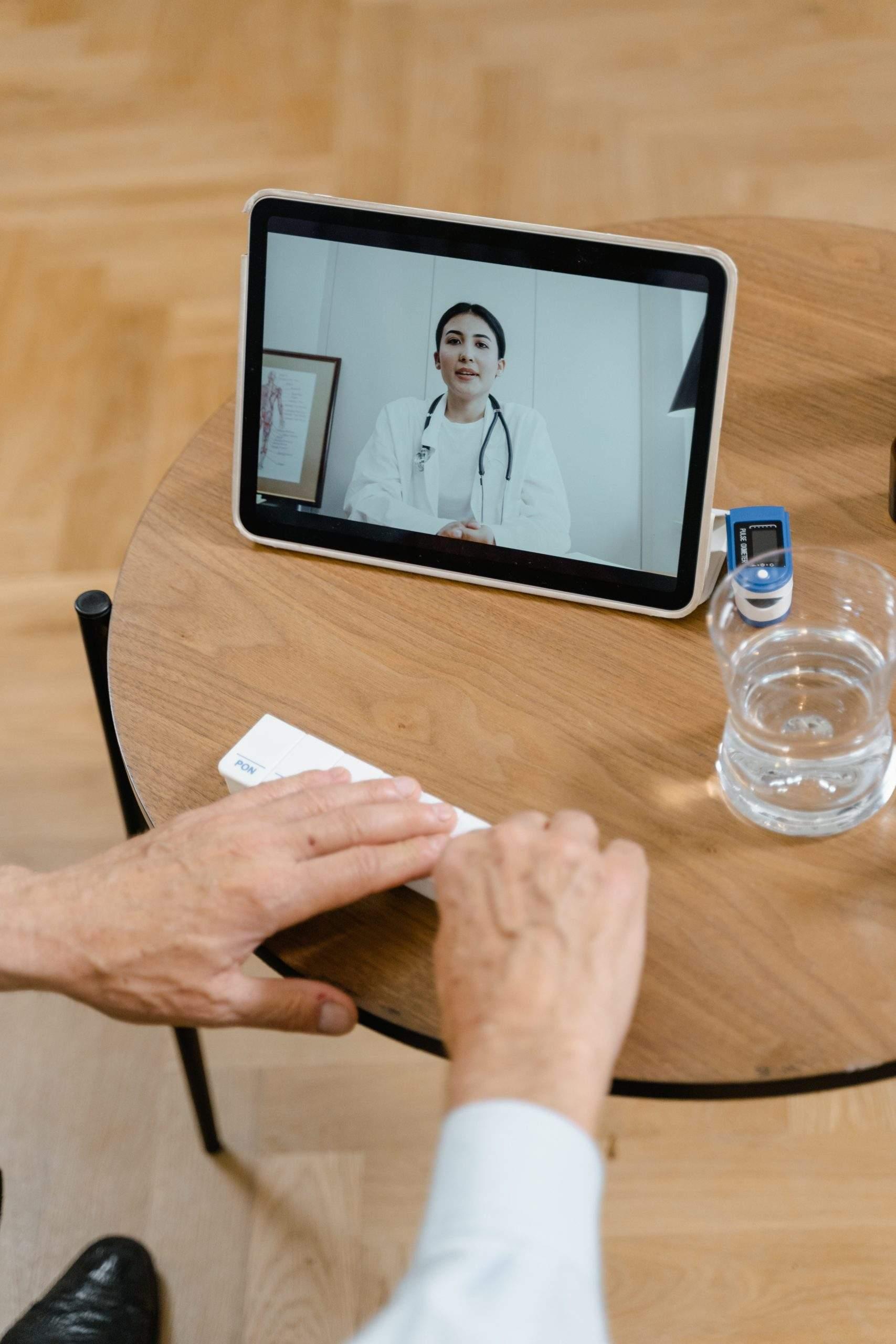 Zmiany finansowania teleporad uderzą nie tylko w przychodnie POZ, ale i pacjentów przewlekle chorych